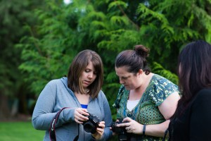 photo of two women at a photo workshop